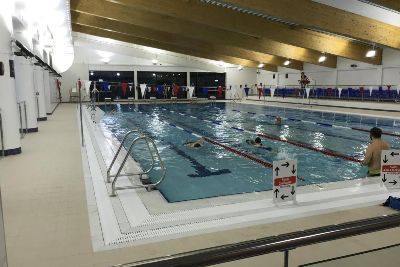 New swimming pool opens at Brackley Leisure Centre - Banbury ...