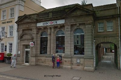 Leighton Buzzard's HSBC bank forced to open late today after