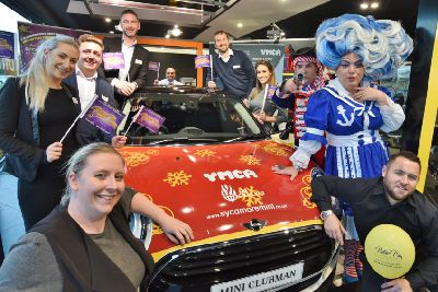 Christmas Joy Cast.Mini Workers Spread Christmas Joy With 100 Panto Tickets