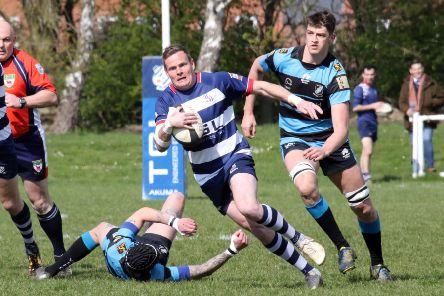 Tommy Gray races clear for Banbury Bulls against Witney. Photo: Steve Prouse