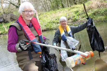 Volunteers from Wild Banbury and Berkshire, Buckinghamshire and Oxfordshire Wildlife Trust at work spring cleaning Spiceball Park. Pictured, Sue Leech and Jill Meara clearing the river NNL-190415-162601009