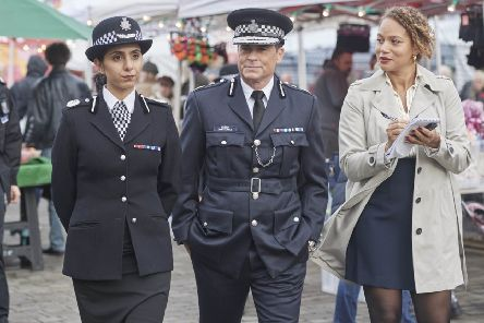 Rob Lowe stars in Wild Bill with Anjli Mohindra and Angela Griffin. Credit KUDOS/Itv