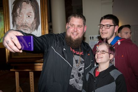 Brit award-winning singer-songwriter Rag 'n ' Bone Man (Rory Graham) takes a selfie with two young musicians at the St Paul's Centre in Worthing, at an event bringing together young musicians, venues and producers in the town. Picture: Scott Ramsey at www.scottramsey.co.uk