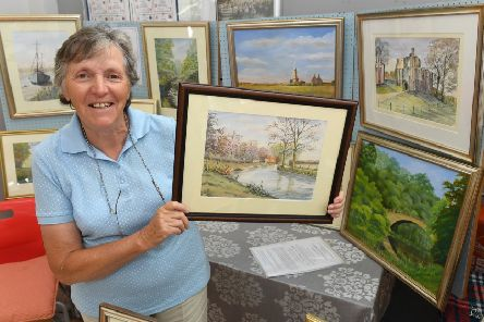 Digby Fayre. Anne Barnham of Digby with her art work EMN-190807-114200001