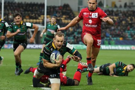 Rory Hutchinson scored Saints' only try against Lyon in November