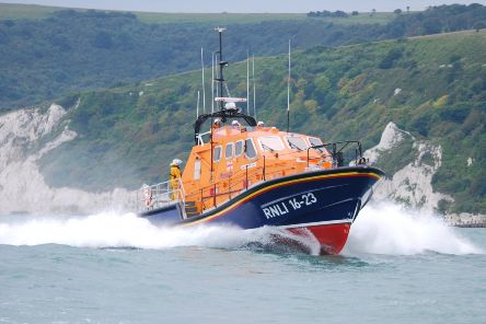 Eastbourne lifeboats SUS-191006-155013001