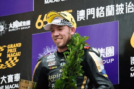 Peter Hickman won a shortened race in 2018 EMN-190611-170426002
