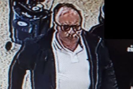 Do you recognise this man? EMN-190321-142304001