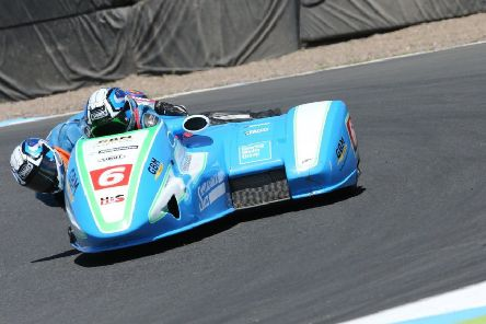 Todd Ellis and Charlie Richardson saw their commanding lead cut at Thruxton EMN-190808-110120002