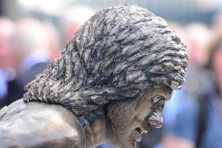 The newly unveiled statue of Northern Ireland football legend, George Best. (Photo: Pacemaker)