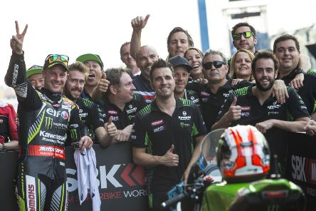 Jonathan Rea and his Kawasaki team still smiling after Thailand.