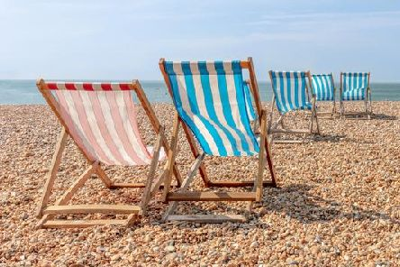 Temperatures have risen over the past few days, but will the weather over the Easter Bank Holiday weekend be sunny and warm or cold and grey?