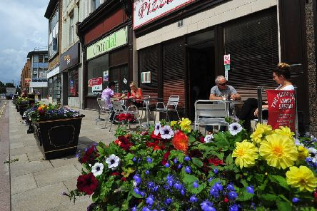 The planters in full bloom in Cowgate.  ENGEMN00120130729143715