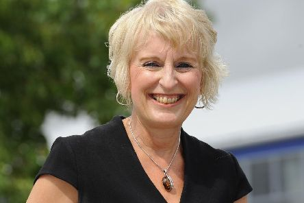 Julie Summerfield, head teacher at Horndean Technology College.'Picture by:  Malcolm Wells)