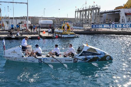 Royal Navy Team, HMS Oardacious power their way over the start line