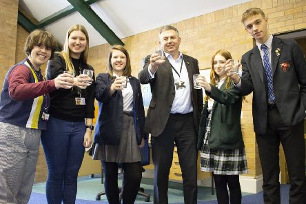 NKDC leaders challenge North Kesteven's Youth Council to eradicate single use plastic cups from their schools. EMN-190124-175755001