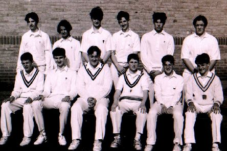 Carres Grammar School's under-15 cricket team from 1994. EMN-191005-120210001