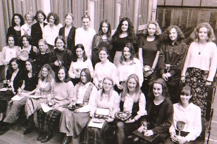 Kesteven and Sleaford High School senior prize winners in the autumn of 1994. EMN-191115-151950001