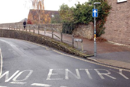 Some road signs seem designed to confuse...