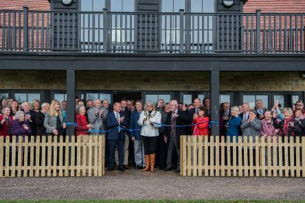 Mayor of Thame opens new clubhouse at Thame Town CC