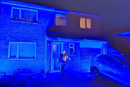 Dacroum mayor turns his house blue for the NHS