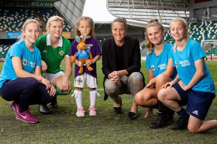 L to R: Pictured at the National Football Stadium at Windsor Park where Electric Ireland and the Irish FA announced an expansion of another 3 years to their partnership are Kirsty Cameron, Julie Nelson, Erin Preston, Manchester United first team coach Casey Stoney, Cerys Madden and Cora Maxwell. The expansion sees the energy provider become the title sponsor of the Northern Ireland senior women's international team as part of a broad commitment to women's football.
