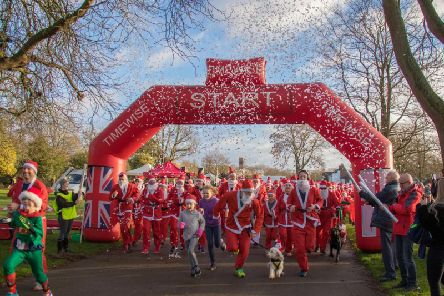 The start of the Santa Dash in 2018. Photo by Myton Hospices