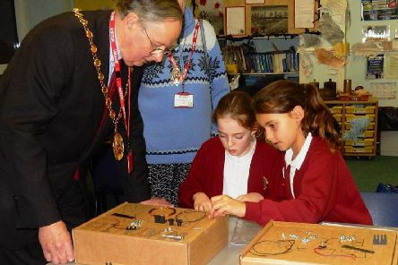 Chairman of Warwick District Council Cllr George Illingworth with some pupils at St Nicholas Primary School