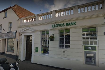Lloyds Bank, Storrington, is to close in October SUS-190524-140309001