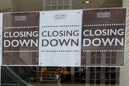 Closing notices in the Horsham branch of Steamer Trading