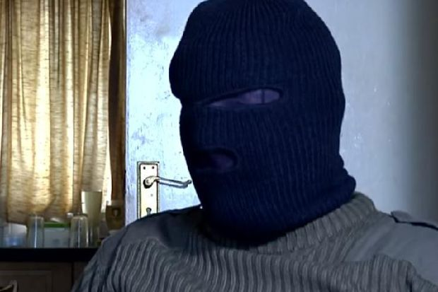 WATCH: Shocking video shows New IRA member say they will attack any infrastructure erected on Irish border