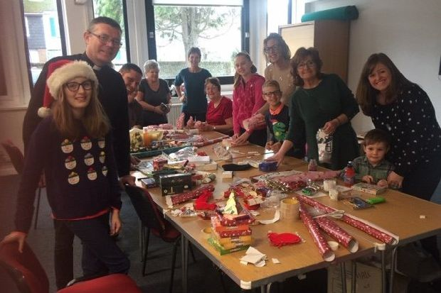 'Great fun' at free lunches in Shoreham and Lancing for people alone on Christmas Day - Shoreham ...