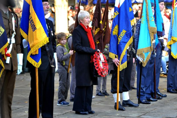 Hundreds pay tribute to the fallen at Horsham's Remembrance Service - West Sussex County Times