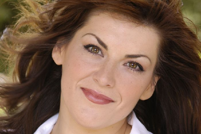 Jodie Prenger Stars In Abigail S Party At Theatre Royal Brighton