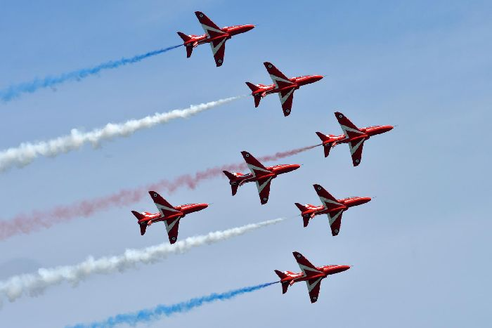Eastbourne Air Show >> Red Arrows And Blades Dazzle Crowds At Eastbourne Airshow