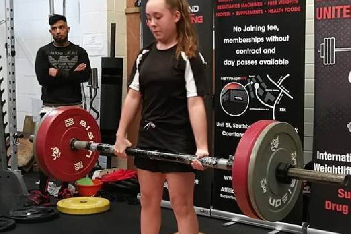 British and world records for young weightlifting star Lara