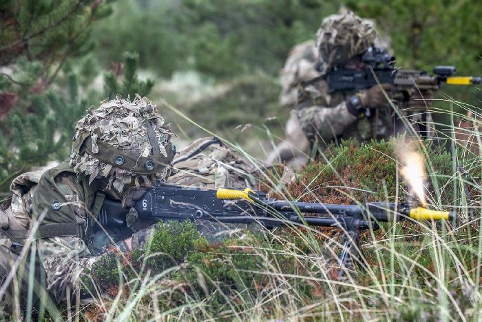 Soldiers From 4th Battalion Princess Of Waless Royal Regiment Taking Part In An Exercise