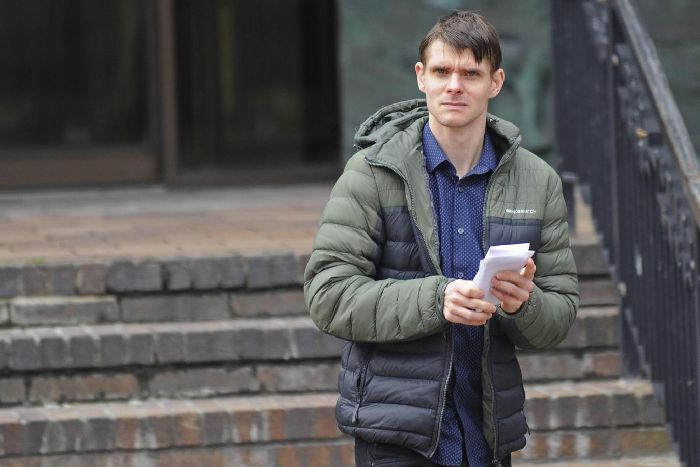 Gosport man caught with more than 1,200 child abuse images - The News