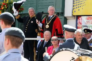 Mayor Cllr John Colegrave and Oxfordshire's Deputy Lord Lieutenant Sir Tony Baldry take the salute NNL-190630-163926009