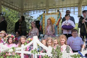 Crowning of the May Queen in Alexandra Park, Hastings.'Photo by Roberts Photographic SUS-190513-092010001