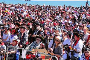 Pirate Day, World Record Attempt At Pelham Beach, Hastings.'22.07.12.'Pictures by: TONY COOMBES PHOTOGRAPHY ENGSUS00120131004145931