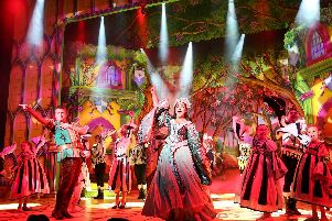 There's glitz and guffaws galore in Robin Hood