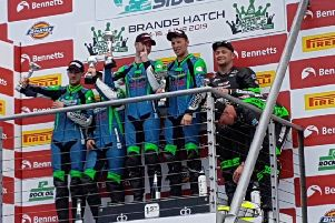 Ellis and Richardson climb the top step of the podium EMN-190619-171013002