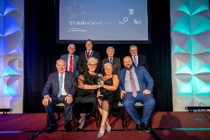 Winners of the Population Category over 5000 Dromore (via Wings) with Tom Dowling, Chairperson, Pride of Place, Cathoirleach of Kilkenny County Council Cllr Peter Cleere, Dr Christopher Moran, Chairman Co-operation Ireland and George Jones, Chairman, IPB Insurancepictured at the IPB Pride of Place Awards in association with Co-operation Ireland awards ceremony in the Lyrath Hotel, Kilkenny
