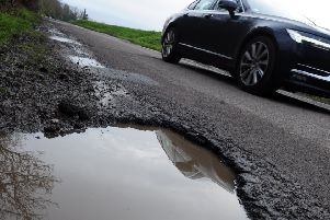 ks180101-2 Chi Mid Potholes  phot kate'Pothole in Old Park Lane, Chichester..ks180101-2 SUS-180703-094701008