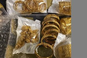 three kilos of gold jewellery were seized from a man at Gatwick SUS-200219-114319001