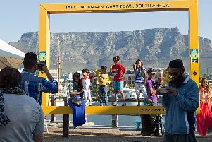 The Yellow Frame at Table Mountain, South Africa. Picture by HelenOnline via https://commons.wikimedia.org/wiki/File:Table_Mountain_Frame_1.jpg