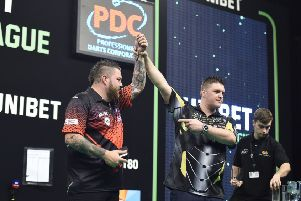 Daryl Gurney (right) defeated Michael Smith in the Unibet Premier League at the 3Arena, Dublin.