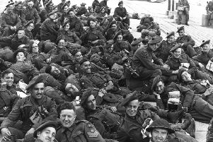 British soldiers of the RAMC (Royal Army Medical Corps) during the Normandy Landings, June 1944. (Photo by Keystone/Hulton Archive/Getty Images) PPP-190506-103250003