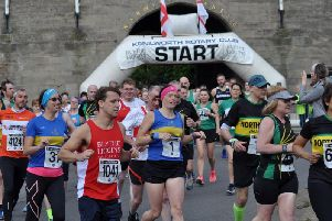 Two Castles Run start from Warwick Castle